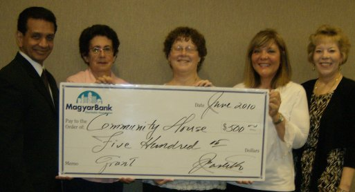 MagyarBank Charitable Foundation supports Community House